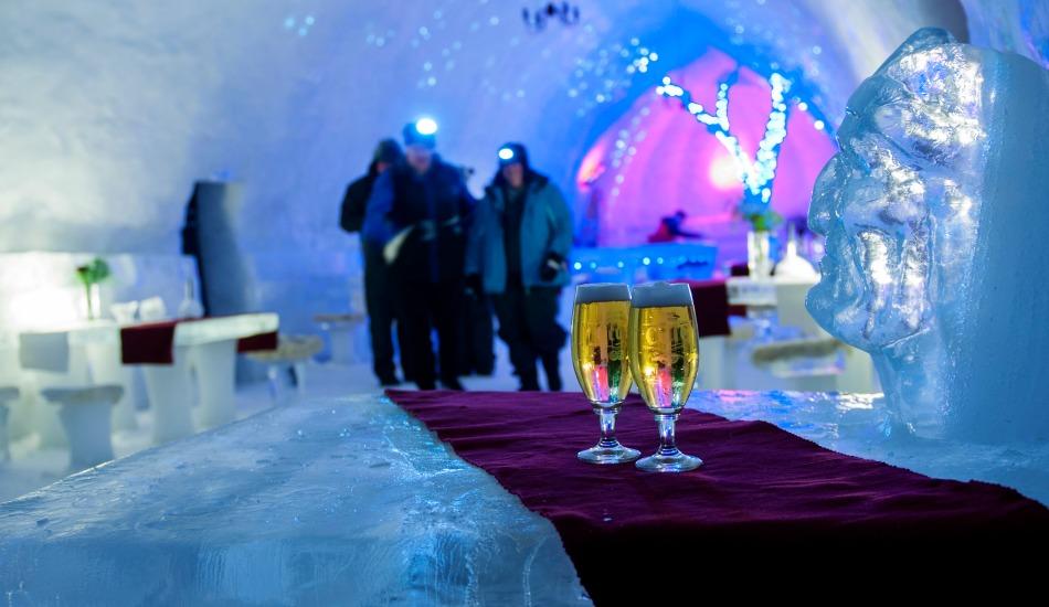 Ice-Restaurant-Ice-Hotel-Transylvania-Romania