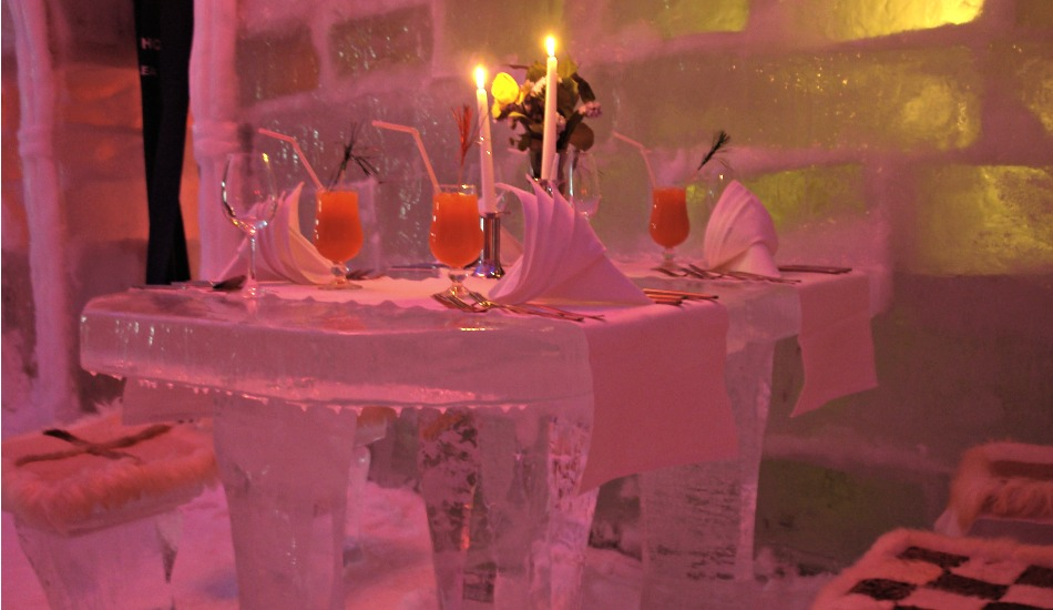 ice-hotel-restaurant-romania-transylvania