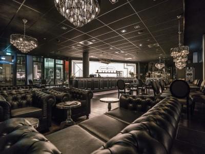 restaurant einrichtung kaufen excellent luxus barock sofa paris blau aus der luxus kollektion. Black Bedroom Furniture Sets. Home Design Ideas
